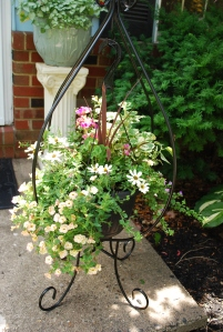 flowers 2015 hnging front porch